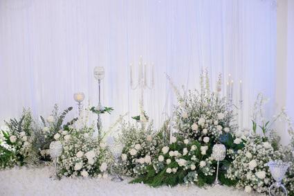 White Scottish Heather wedding flower arrangement